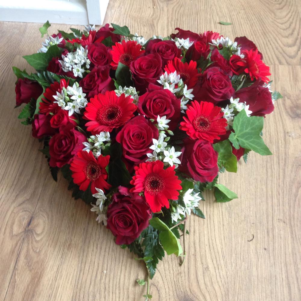 Hearts & Wreaths 10