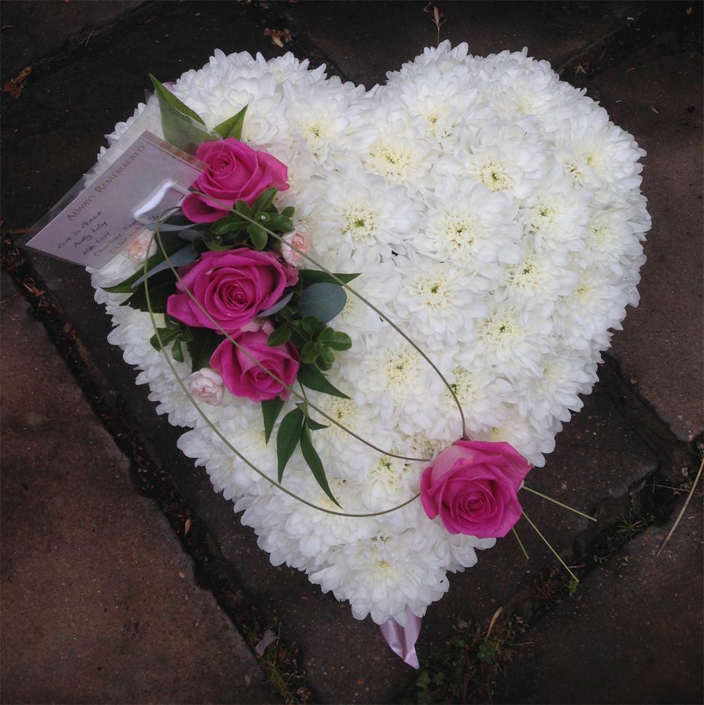 Hearts & Wreaths 11