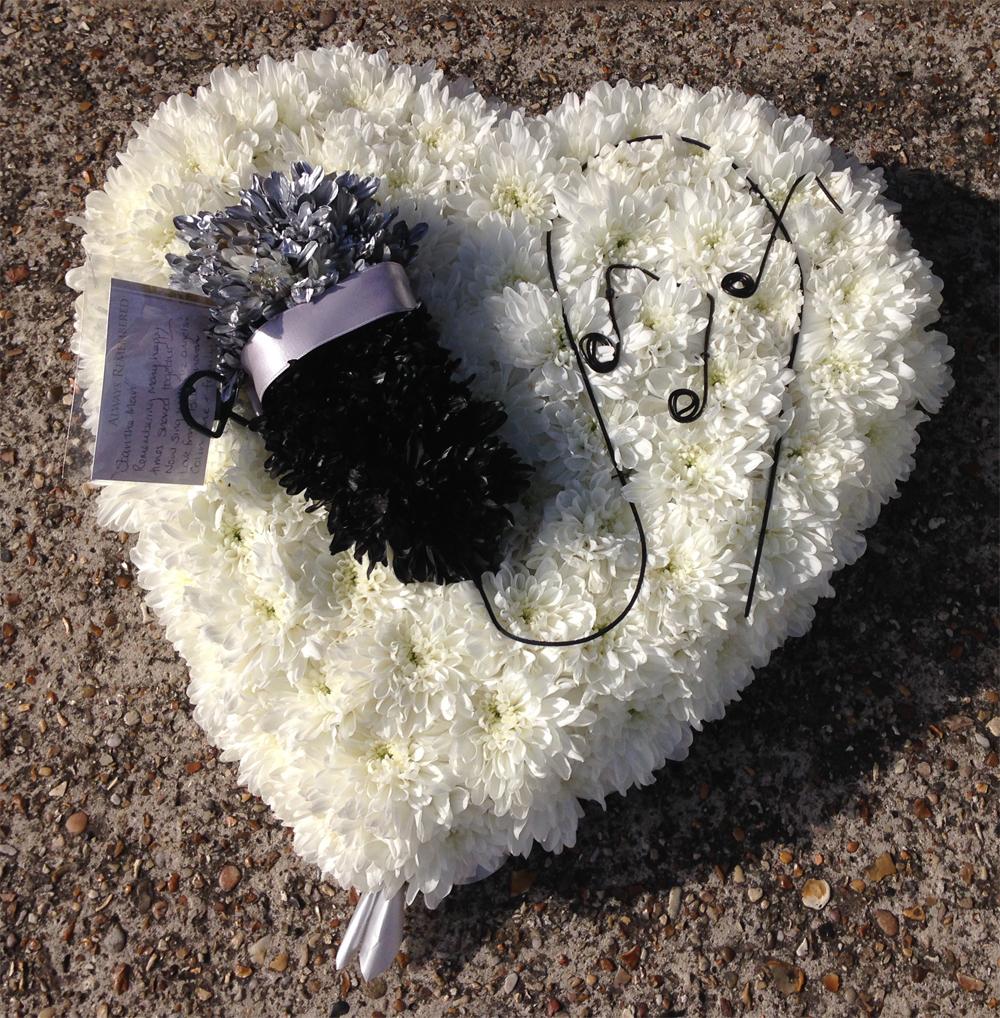 Hearts & Wreaths 12