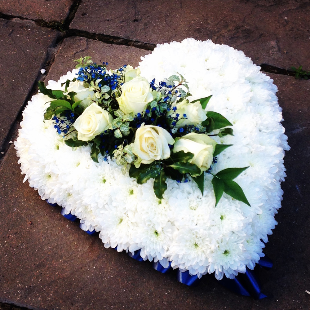 Hearts & Wreaths 15