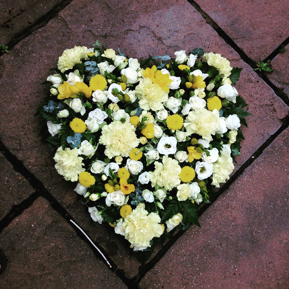 Hearts & Wreaths 16