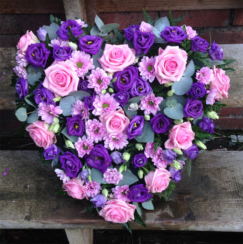 Hearts & Wreaths 20