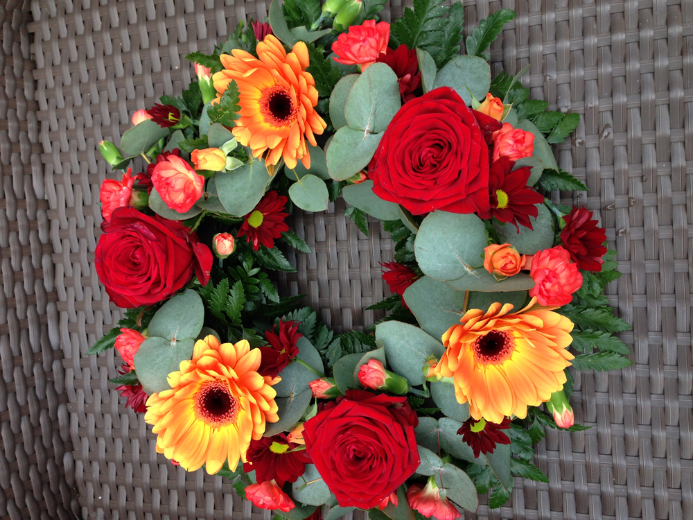 Hearts & Wreaths 23